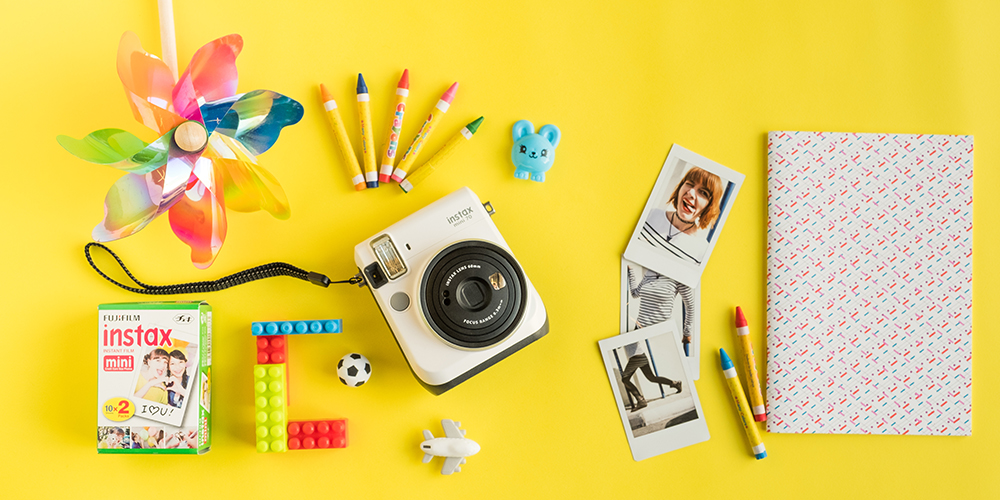Do you have little photographers?Send them to Instax Minis this Tuesday for FREE!!!