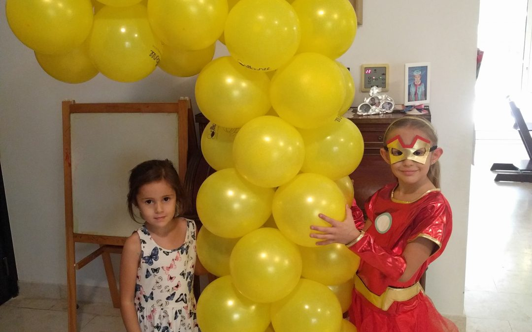 Win a Balloonee kit and create your own balloon sculpture!