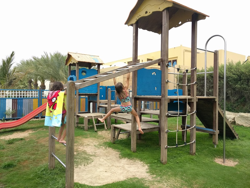 Hilton RAK beach and facilities, Dubai Mums, Holiday with kids